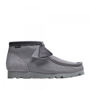 Clarks Wallabee Boot GTX (light grey text)